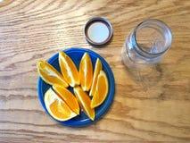 Comienzo anaranjado del limpiador fotografía de archivo