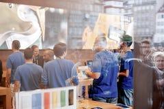 Comienzo del iPhone 6 ventas Fotos de archivo libres de regalías