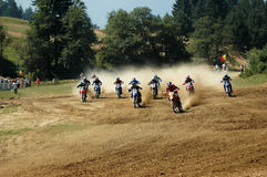 Comienzo del motocrós Imagenes de archivo