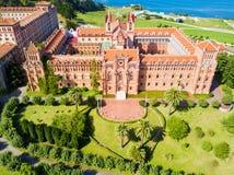 Comillas επισκοπικό πανεπιστήμιο, Ισπανία στοκ εικόνα με δικαίωμα ελεύθερης χρήσης