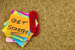 Cominci le note di Post-it della lista Immagini Stock