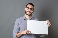 Comité aankondiging voor de ongelukkige mens die een staking eisen Stock Afbeeldingen