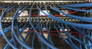 Comité netwerkverbindingen met kabels Royalty-vrije Stock Foto's