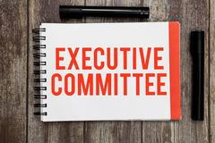 Comitê Executivo do texto da escrita da palavra O conceito do negócio para o grupo de diretores apontados tem a autoridade nas de imagem de stock royalty free