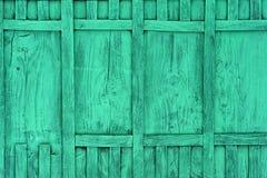Comitati di legno verdi della rete fissa Fotografie Stock Libere da Diritti