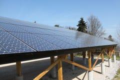 Comitati solari & montagne Fotografia Stock