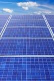 Comitati solari e verticale del cielo Immagini Stock Libere da Diritti