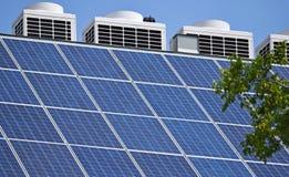 Comitati solari sul tetto Fotografie Stock