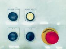 Comitato per il controllo ad alta tensione elettrico con controllo a del bottone di commutatore Fotografia Stock Libera da Diritti