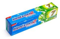 Comlete οδοντόπαστα μίγμα-α-MED στο κιβώτιο Στοκ Εικόνες