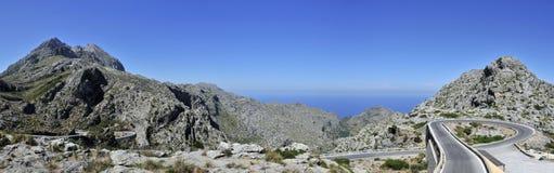 Commandant de Puig et route de montagne à SA Calobra photographie stock libre de droits