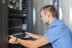 Commande de disques durs dans le système de stockage Photographie stock