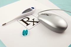 Commande en ligne des pillules de prescription Photo libre de droits