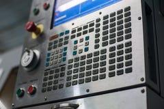 Commande numérique par ordinateur de panneau de commande de commande numérique Fraiseuse de commande numérique par ordinateur de  Photos stock
