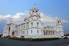 comme la construction de la Grande-Bretagne a construit la reine initialement fleurie commémorative de musée de monument de l'Ind Images libres de droits