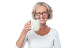 Comme pour me joindre pour une tasse de café ? Photographie stock libre de droits