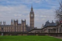 Comme un ressort dans la ville de Londres Images libres de droits