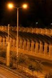 Commencez l'autoroute par nuit images libres de droits