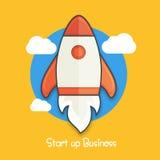 Commencez la disposition d'affaires avec la fusée Photographie stock libre de droits