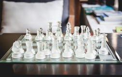 Commencez un jeu d'échecs Images libres de droits