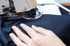 Comment au tissu de couture Image stock