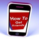 Comment obtenir des amis au téléphone représente obtenir des amis Photographie stock