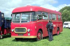 1956年Commer复仇者公共汽车 免版税库存照片