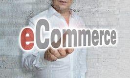 Commerce électronique avec le concept de matrice et d'homme d'affaires photographie stock libre de droits