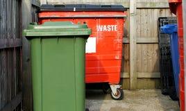 Commerciële afvalbakken stock fotografie