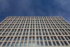 Commerciële centrummuur en hemel Stock Afbeelding