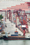 Commerciële containerhaven stock foto