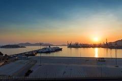 Commerciële haven bij zonsondergang Royalty-vrije Stock Fotografie