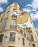 Commerciële hommel die rond Parijs vliegen Royalty-vrije Stock Afbeeldingen