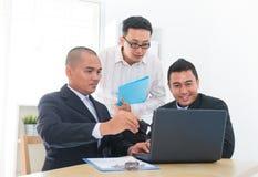 Commerciële teambespreking Stock Afbeeldingen