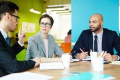 Commerciële Vergadering in Creatief Bureau royalty-vrije stock foto's