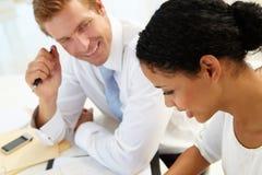 Commerciële vergadering in een bureau Stock Foto