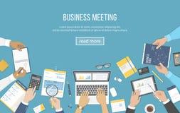 Commerciële vergadering en brainstorming Het concept van het bureaugroepswerk met mensen rond de lijst Analyse, planning, resulta stock illustratie