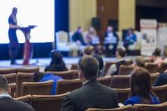 Commerciële Vergadering en Conferentiesideeën Groep Mensen Attendin royalty-vrije stock foto