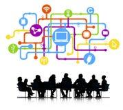 Commerciële Vergadering met Computervoorzien van een netwerk stock afbeeldingen