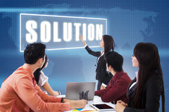 Commerciële vergadering met presentatie een oplossing