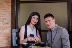 Commerciële vergadering tussen partners Stock Foto's