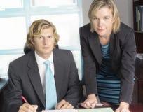 Commerciële Vergadering tussen Team Members Royalty-vrije Stock Foto