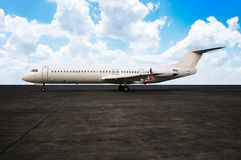 Commercial airplane ready to take off Royalty Free Stock Images