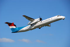 Commercial airplane take-off Royalty Free Stock Photography
