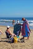 Commerciante della spiaggia sulla spiaggia di Playa de la Vibora, Marbella fotografia stock