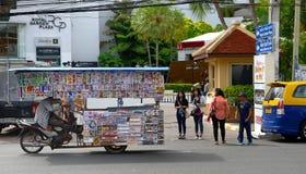 Commercianti del driver del triciclo della via di Pattaya Fotografia Stock Libera da Diritti