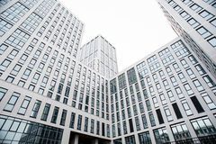 Commercieel centrum in de nieuwe kwarten van de stad Stock Foto's