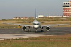 Commercieel lijnvliegtuig Royalty-vrije Stock Afbeeldingen