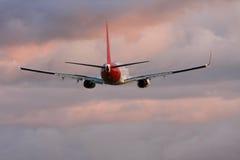Commercieel straallijnvliegtuig tijdens de vlucht Stock Fotografie