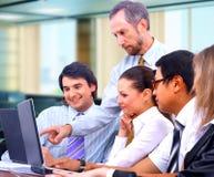 Commercieel team in bureau royalty-vrije stock afbeelding